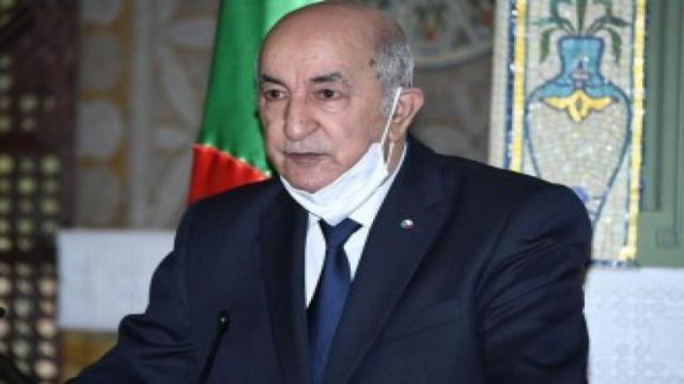 الرئيس الجزائري تبون يُخضع نفسه لجحر صحي طوعي