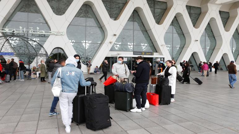 المغرب يعلق الرحلات الجوية مع مصر و والجزائر