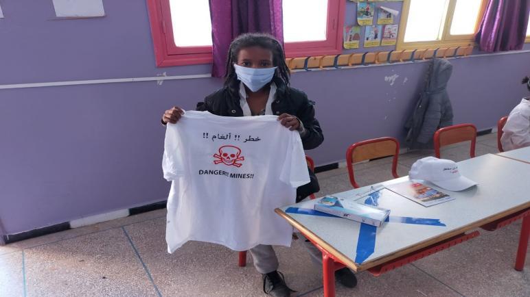 التوعية بمخاطر الألغام عنوان حملة قام بها فرع الهلال الأحمر بإقليم أوسرد+صور
