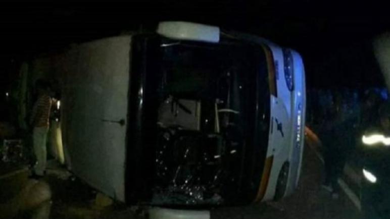 فاجعة أكادير…قتلى وجرحى في حادث انقلاب حافلة بضواحي أكادير
