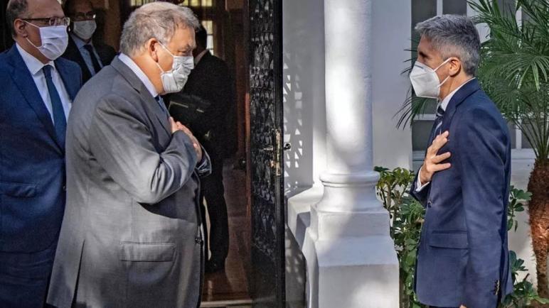 وزير الداخلية الاسباني يدعو المغرب إلى استنئاف ترحيل المهاجرين غير القانونيين