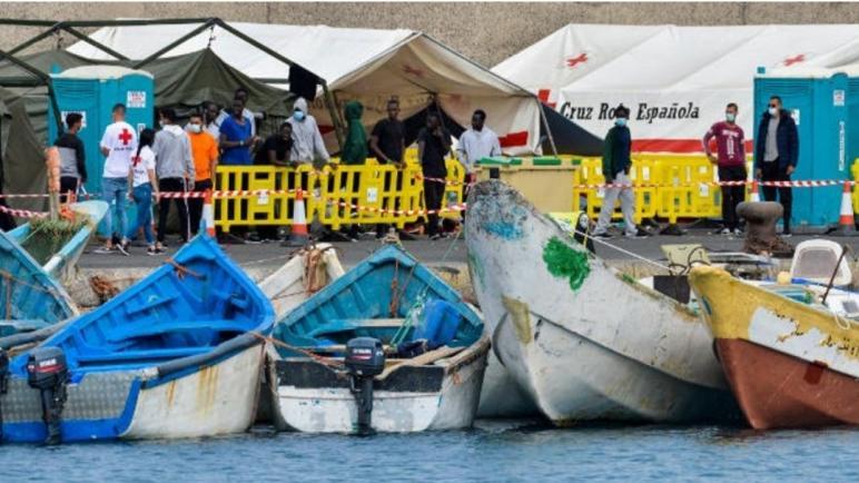 الحريك..8 ديال الفلوكات وصلو فنهار واحد لكناريا فيهم كثر من 245 حراك أغلبهم مغاربة