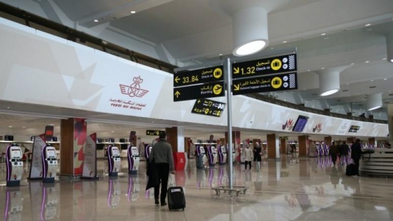 تعليق الرحلات الجوية مع بريطانيا بسبب السلالة الجديدة ديال كورونا