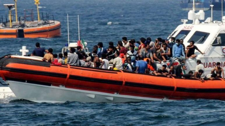 """منظمة """"إس أو إس"""" تنقذ أزيد من مائة مهاجر في عرض المتوسط"""